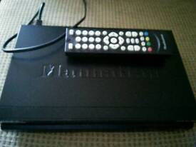 Manhattan Plaza DS100 freesat box