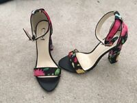 Lovely floral heels. Size 4