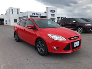 2012 Ford Focus SE - HEATED SEATS, MOON ROOF