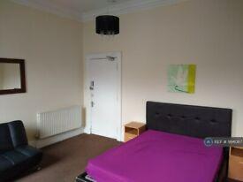 5 bedroom flat in Lauriston Park, Edinburgh, EH3 (5 bed) (#994067)