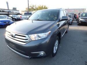 2013 Toyota Highlander V6 & BACK UP CAM & BLUETOOTH & 7 SEATS