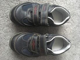 Boys Clark's shoes / trainers size 7.5G