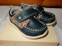 Boys Clarks Leather Boat Shoes Size 4 1/2G Infant