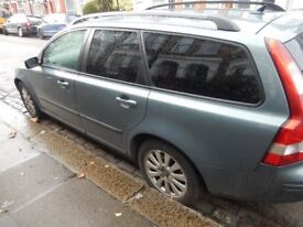 Great Volvo V50 with full service history and very careful previous owners