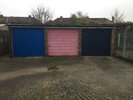 TO RENT Single Garage Staines-upon-Thames