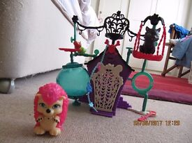 Monster High Creepateria and Creature Crypt