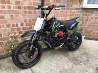 Stomp Yx 150 cc pitbike