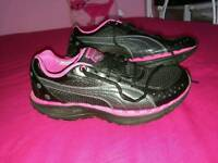 Puma running trainers size 6 very good condition