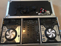 2x Pioneer CDJ 400 Decks Plus DJM 400 Limited Mixer And Flight Case