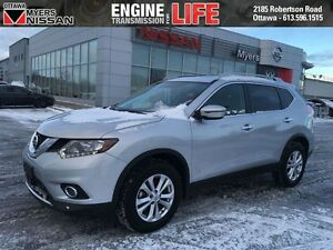 2016 Nissan Rogue SV AWD + Moonroof * Low Km's * 1.5% Rates Avai
