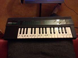 Yamaha PortaSound Pss-130 Electronic Keyboard
