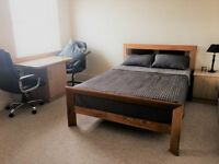 Double room/studio in Poole with private Kitchenette