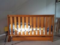 Om baby cot, drawer optional £200 ONO