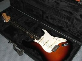 MINT CONDITION 2015 FENDER AMERICAN STANDARD STRATOCASTER IN SUNBURST
