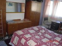 NICE LARGE ROOM IN QUIET TIDY NON-SMOKING NON-CROWDED HOUSE IN ZONE 2 ,F/T WORKER/STUDENT,NO DSS