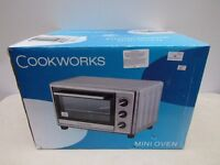 Cookworks mini oven, in silver colour 23 Litre capacity 1500 Watt, tested working and boxed.