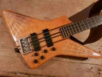 NS Custom Guitars Spyder Bass replica