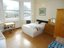 SHORT LET - BILLS INCLUDED - SELF CONTAINED STUDIO-HAMPSTEAD-PERIOD FEATURES