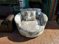 Swivel chair BRAND NEW