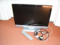 POLAROID 22 INCH TELEVISION WITH REMOTE