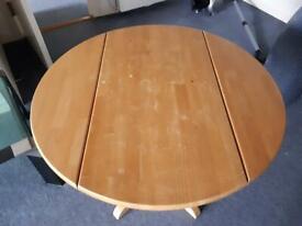 Round dinner table foldable wood vintage