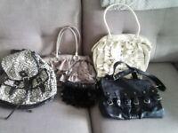 Woman's handbag's