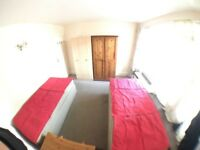 SW15 4EH-Roehampton-NICE SPACIOUS TWIN ROOM-WIFI (ALL BILLS INCLUSIVE )