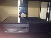 Xbox one 500gb *very good condition*