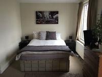 Stunning & Amazing 2 bed 2 bath Apartment in Wimbledon !