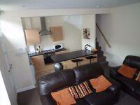 2 X Dbl Rooms - same house!! *CENTRAL HEADINGLEY*£325pm*INC ALL BILLS! * Virgin HD in room + FibreBB