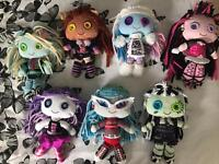 7 Monster high plush dolls excellent condition