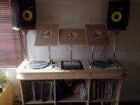 Professional DJ stand for Technic 1210s, Nexus CDJ, Traktor, Laptop etc etc