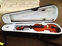 Primavera 100 student violin size 1 with bow and comes with light weight case