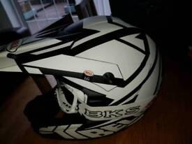 Motorbike/Motocross helmet