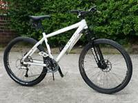 Genesis core 10 Mountain Bike