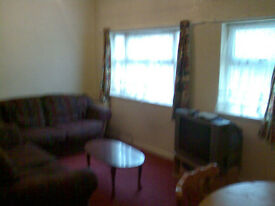 Fully Furnished 2 Bedroom Ground Floor Flat to let £550.00 No Agent Fee's To Pay Available 07/08