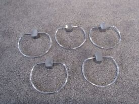 """5 Towel rings + wall attachments, round chrome, 6.5""""/16.5cm x 6""""/15cm collect EX12 3AQ or EX12 2UX"""