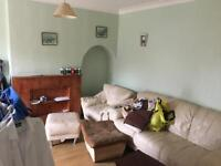 Ensuite Double room to let on Eastbrook drive RM7 0YU rent £500 all inclusive.