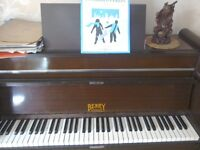 Art Deco style Berry compact piano