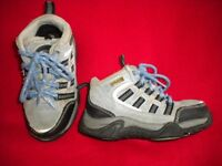 Boy's trainer / boot size 30