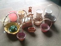 Baskets / Containers for plants or flowers
