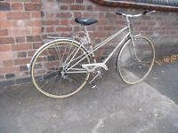 Ladies Classic Raleigh Misty MIXTE Style City / Touring / Hybrid Bike with good chrome