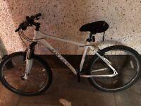 Carrera Valour Bike
