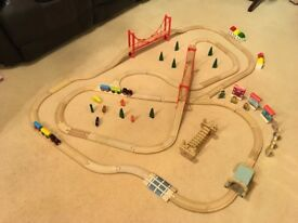 BUNDLE OF WOODEN RAILWAY TRAIN TRACK & ACCESSORIES COMPATIBLE WITH BRIO