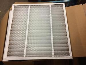 Lot de 20 filtres à poussière neuf 24'' x 24'' x 4'' d'épais ------ Lot of 20 new dust filter 24'' x24'' x 4'' thick