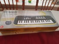 Beginners kids keyboard.