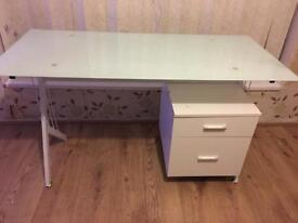 Computer desk / draw
