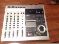YAMAHA DD4S DIGITAL MULTITRACK MINI DISK RECORDER.