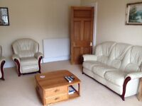 2 bedroom flat in Cults for short term rental. £450 per week inclusive of bills and Wifi. Parking