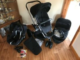 Quinny Buzz Xtra Travel System (carrycot, pushchair and car seat)